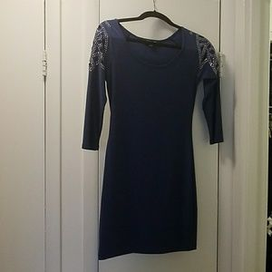 Fitted blue 3/4 sleeve dress